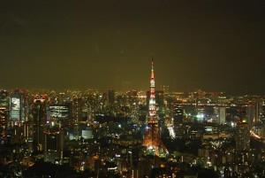 東京 六本木ヒルズ・森タワー52階にある「東京シティービュー」から見た東京タワー