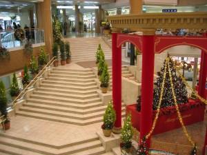 阪急宝塚駅付近のクリスマス風景(兵庫県宝塚市)